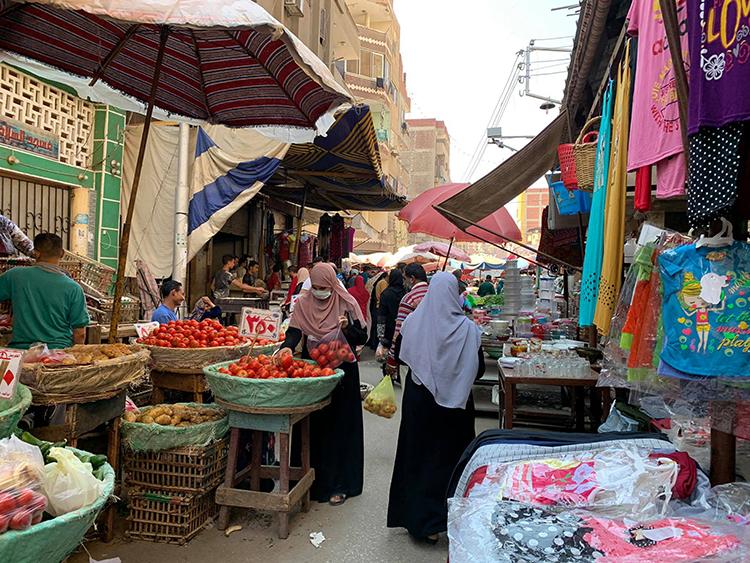 Masks in Street Markets <br srcset=