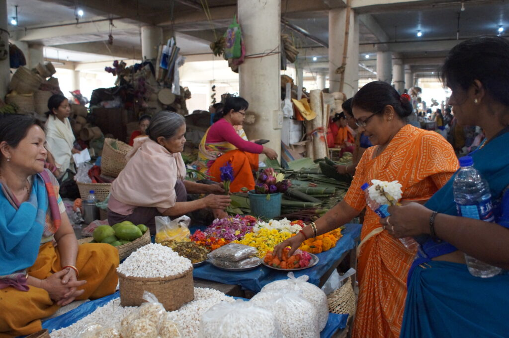 Imagining street-markets as urban commons: The mother's market in Manipur <br srcset=