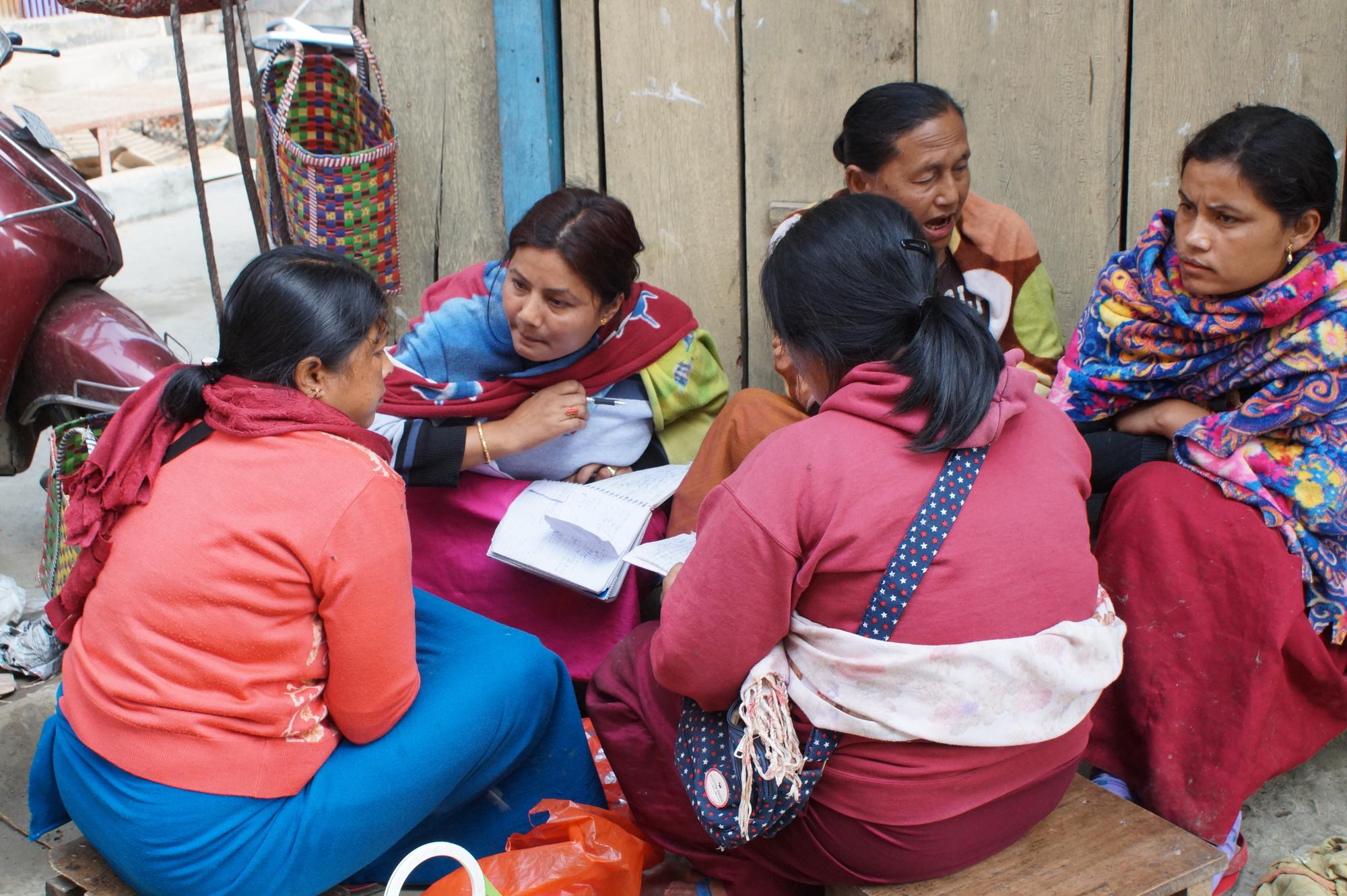 Image 4. Women debating. Source: Authors.